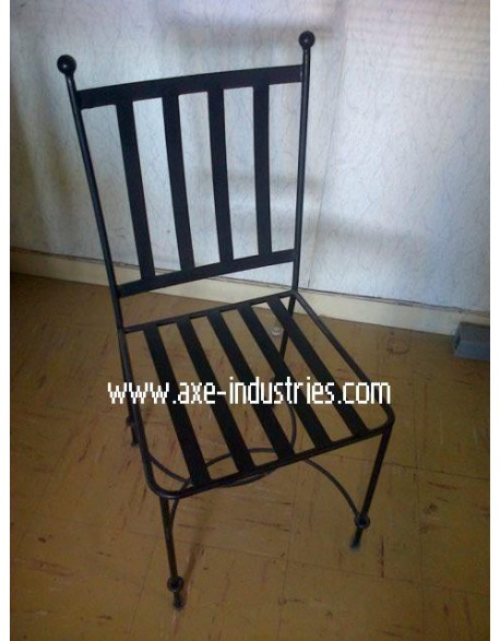 chaise fer forg f s coussin compris chaises en fer forg axe industries. Black Bedroom Furniture Sets. Home Design Ideas