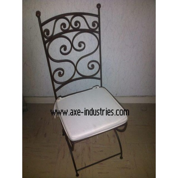 chaise fer forg amour coussin compris chaises en fer forg axe industries. Black Bedroom Furniture Sets. Home Design Ideas