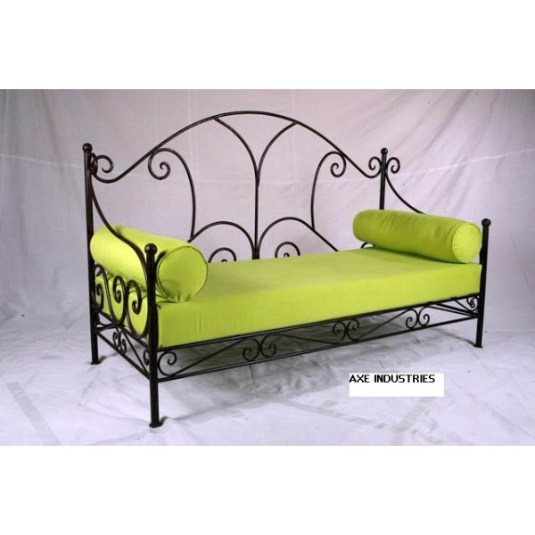 canap marguerite canap s en fer forg axe industries. Black Bedroom Furniture Sets. Home Design Ideas