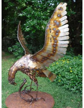 Aigle et cobra en métal