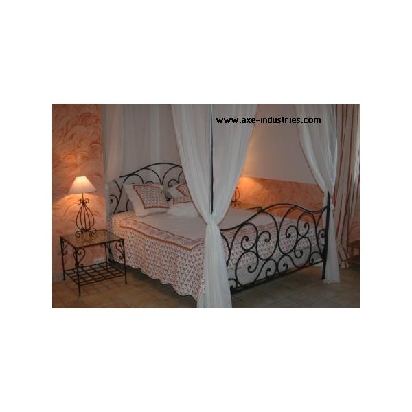 lit baldaquin volupt en fer forg lits fer forg et baldaquins axe industries. Black Bedroom Furniture Sets. Home Design Ideas