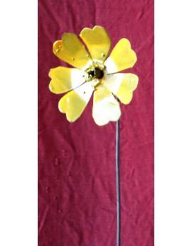 Tuteur fleur des prés jaune