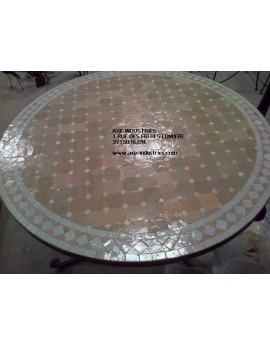 Table ronde avec piétement simple en fer forgé et plateau zellige Modèle Bouarfa