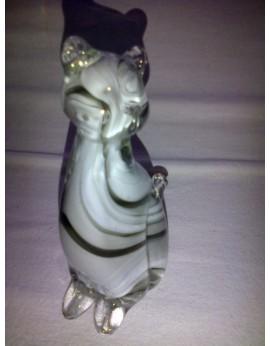 Chat blanc en verre