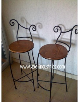 Tabouret Provence avec assise bois et pied fer forgé plein