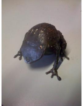 Petite grenouille en métal