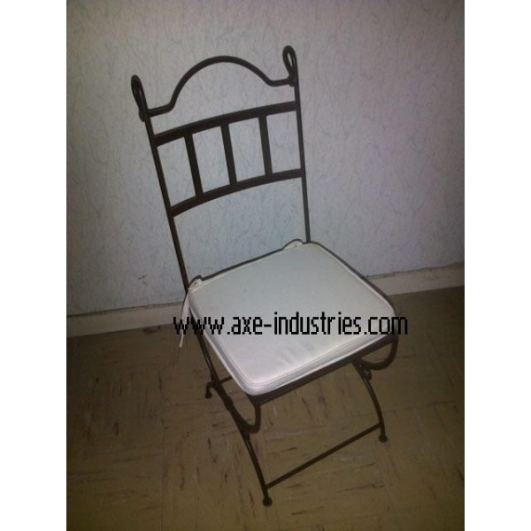 Chaise fer forg col de cygne coussin compris chaises for Chaise en fer forge