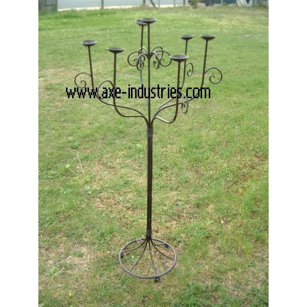 Grand chandelier en fer forg d co divers axe industries - Grand chandelier sur pied ...