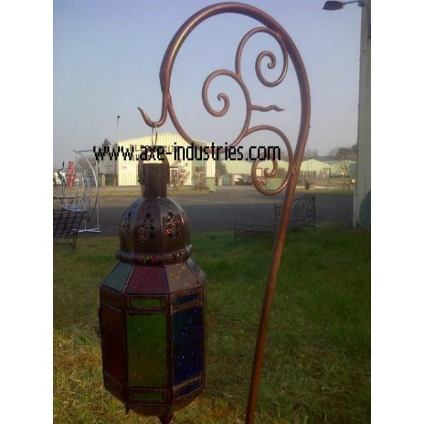 Porte lanterne kario en fer forg luminaires et for Porte lanterne fer forge