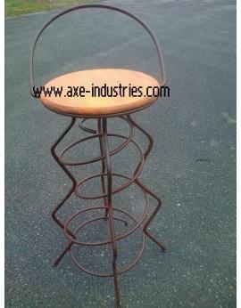 Tabouret Spirale  en fer  plein et galette bois