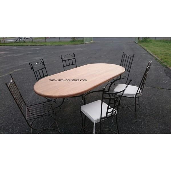 table ovale en bois et fer forg meubles bois et fer. Black Bedroom Furniture Sets. Home Design Ideas