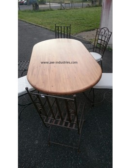 Table ovale en bois et fer forgé