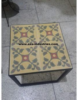 Table basse fer forgé/ carreaux ciment Dordogne