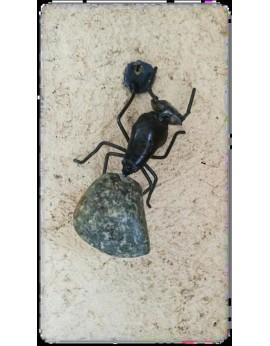 Fourmi pierre/ métal 18cm