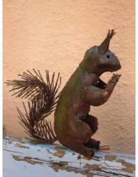 Ecureuil en métal