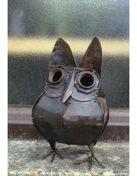 Petit hibou abstrait en métal