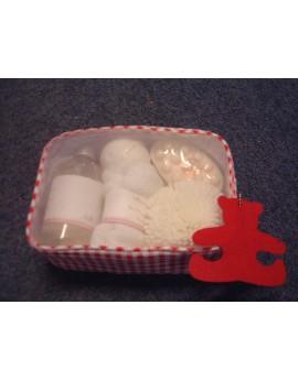 trousse de voyage avec lotion , savon , éponge , serviette et boule effervescente